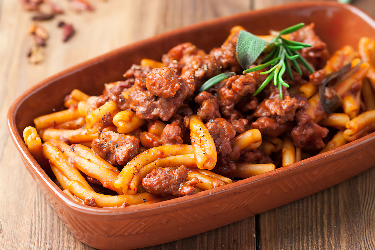 How to make the caserecci pasta with sausage