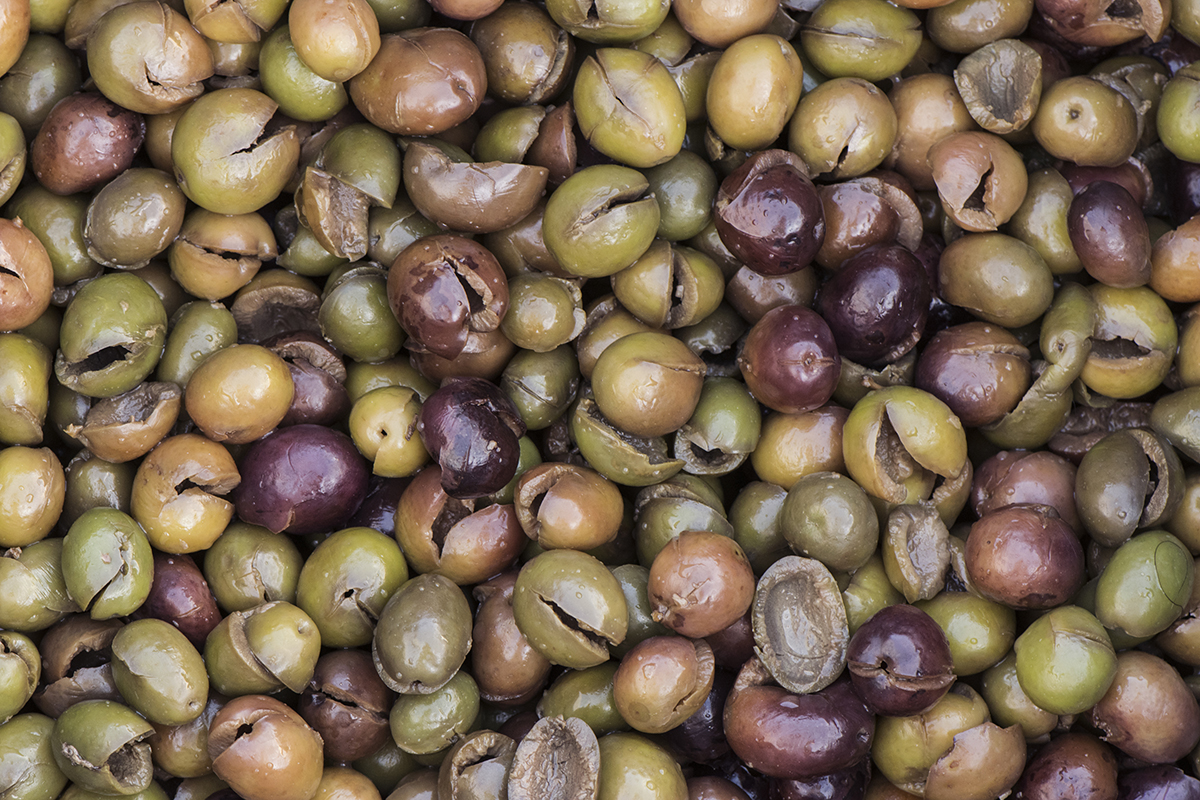 Calabrian traditions: crushed olives
