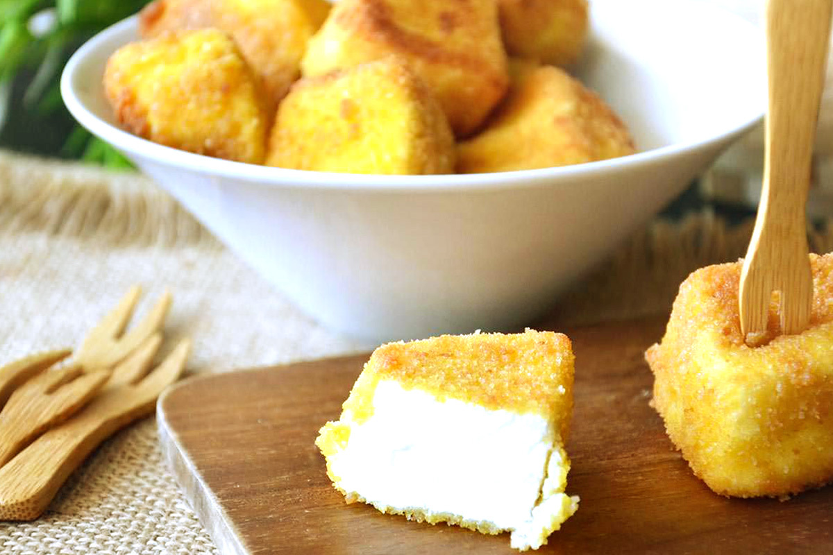 Calabrian recipes: breaded and fried ricotta cheese