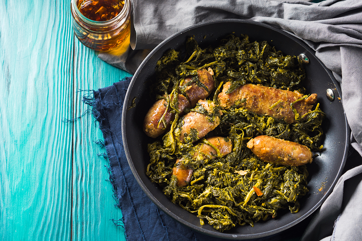 Turnip greens and sausage: the Calabrian recipe