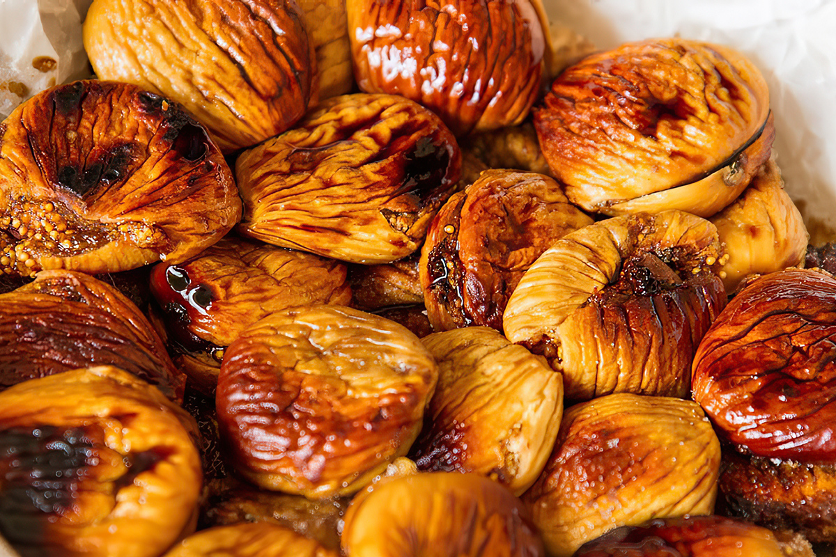 Dried figs in the oven: how to make them at home
