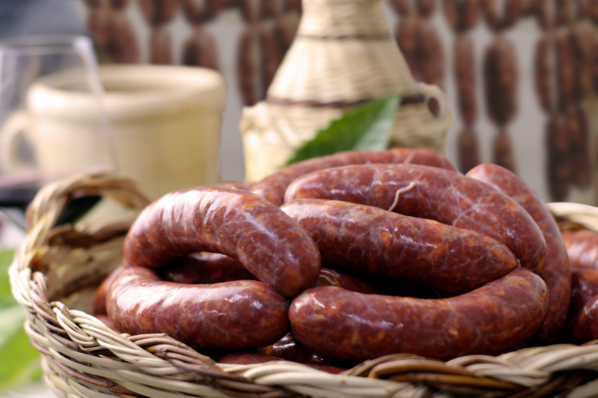 Salsiccia or salciccia?  This is how sausage is called in Calabria