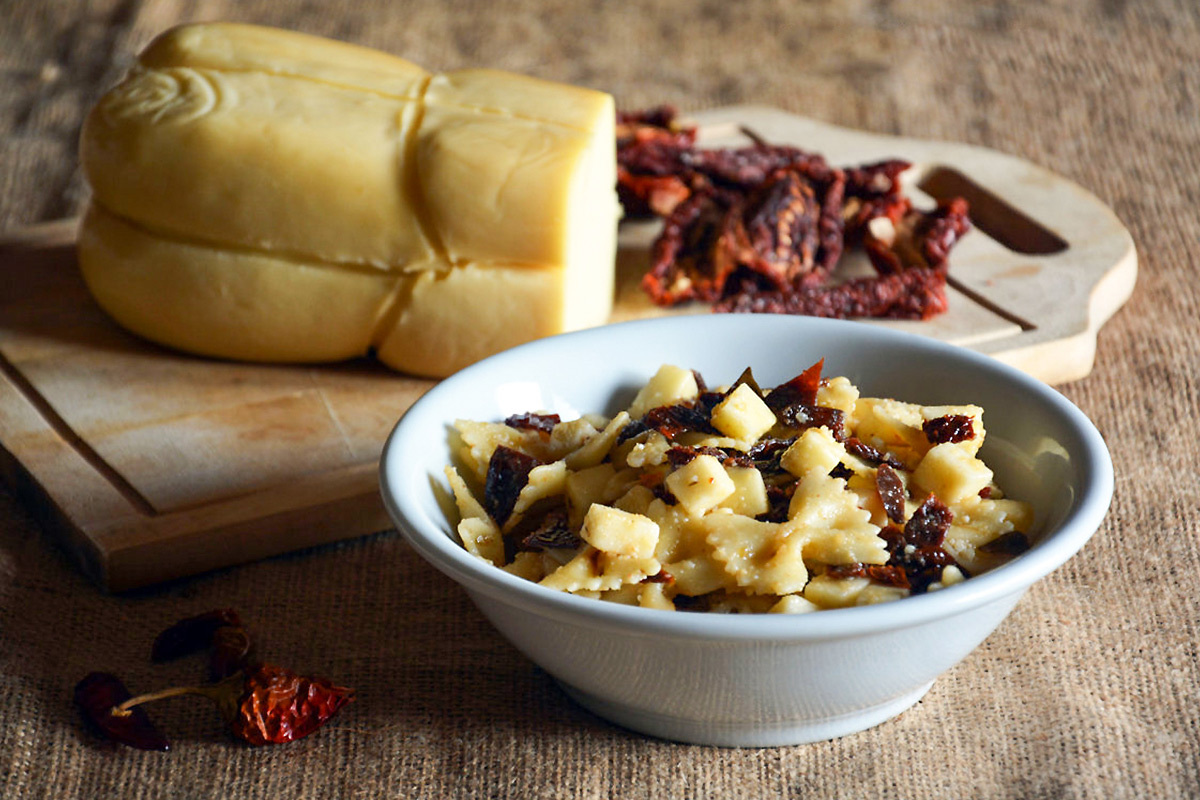 Summer Calabrian-style cold pasta